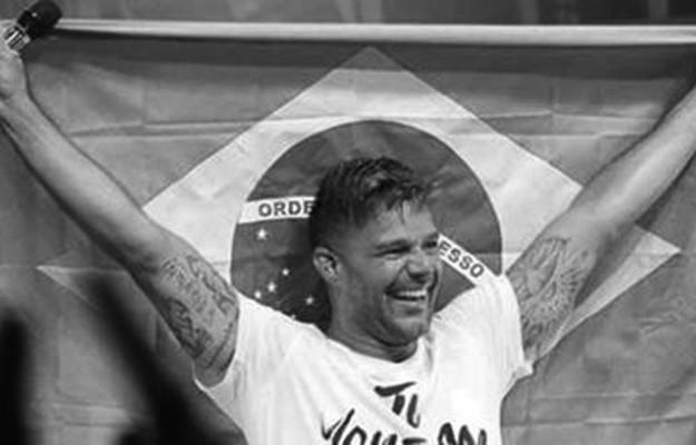 puertoriqueno-Ricky-Martin-sostiene-Brasil_LRZIMA20140310_0035_11